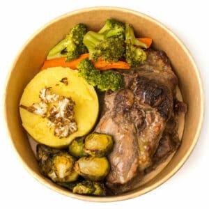Свинско месце с пюре от картофи и куркума